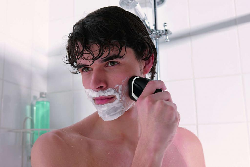 Philips AquaTouch Electric Shaver Wet And Dry With Aquatec – AT620/14 -  Jungle.lk